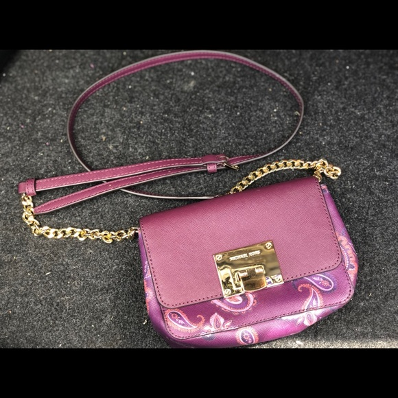 MICHAEL Michael Kors Handbags - Michael Kors crossover mini purse